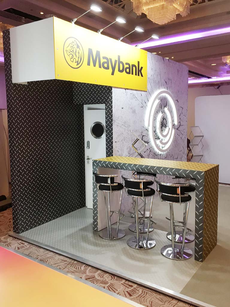 Modular Exhibition Stands London : Maybank london newshield
